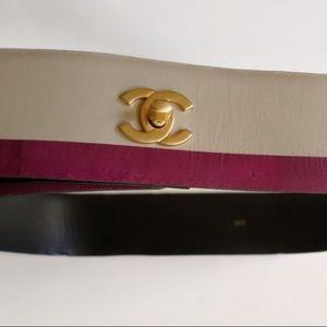 Auth CHANEL Calfskin Leather Maison Turnlock Belt